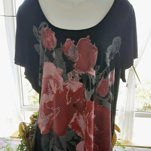 MXM Floral Top w/ Beautiful Backing